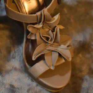 Madden Girl G-Kuttlr Flower Wedge Sandals